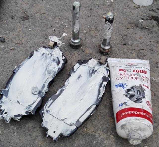 Замена передних тормозных колодок Мазда 6 (GH), 2007 - 2012 г.в.