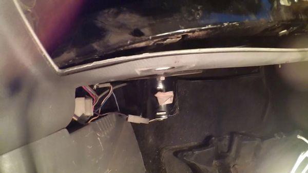 Задние ремни безопасности Киа Рио 3: снятие и установка