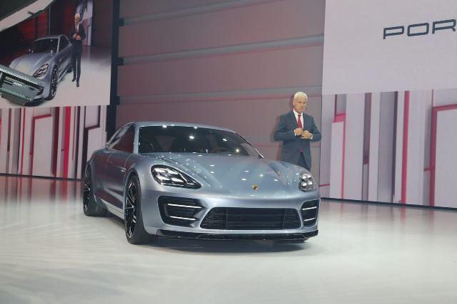 Porsche Panamera 2016: фото и характеристики