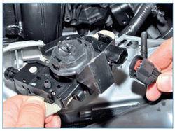 Замена капота Форд Фокус 1