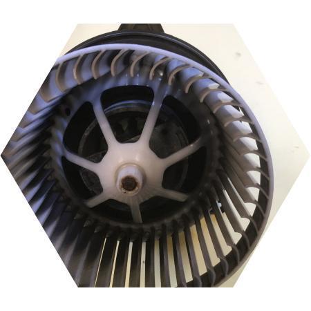 Замена брызговика двигателя и радиатора Форд Фокус 3