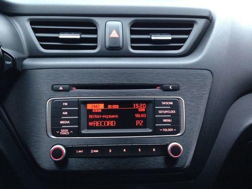 Снятие и замена звукового сигнала Kia Rio 3