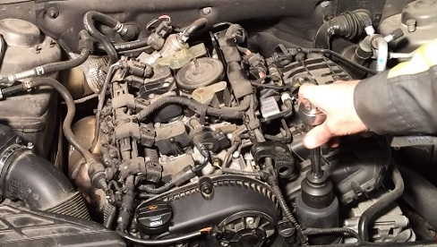 Замена моторного масла и масляного фильтра Ауди А4 Б6