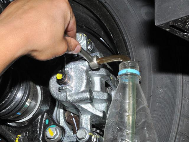 Замена тормозной жидкости КИА Рио 3