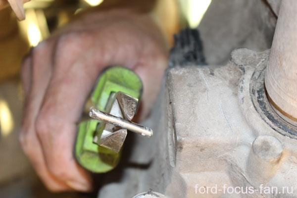 Замена датчика скорости Форд Фокус 3
