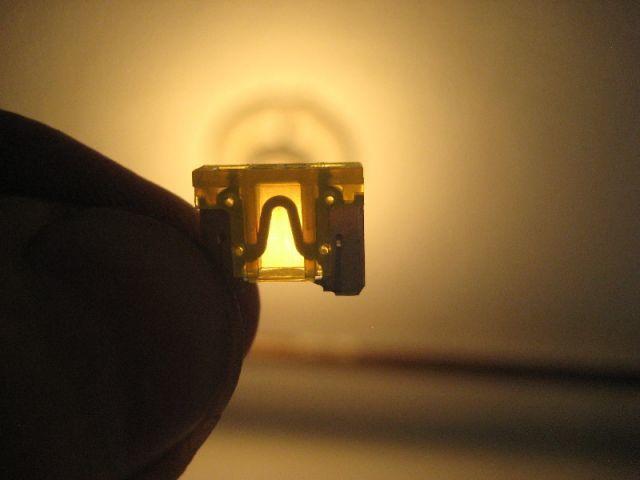 Замена выключателя света заднего хода Киа Рио 3