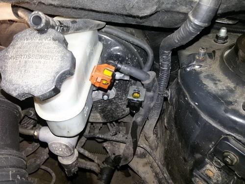 Замена топливного фильтра Хендай Туссан 1