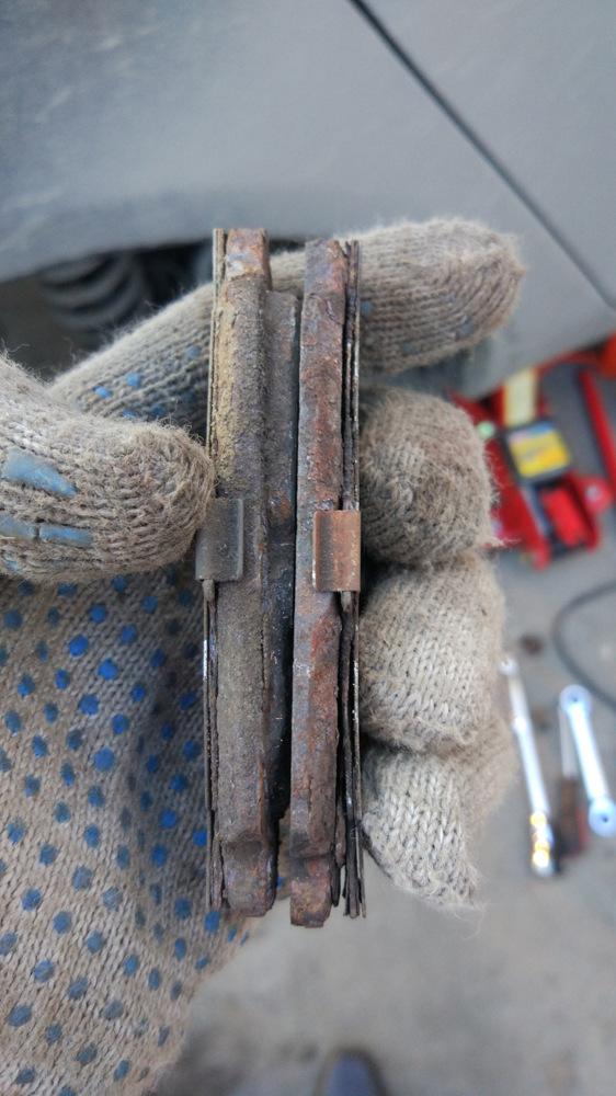 Замена задних тормозных колодок Джили Эмгранд ЕС7