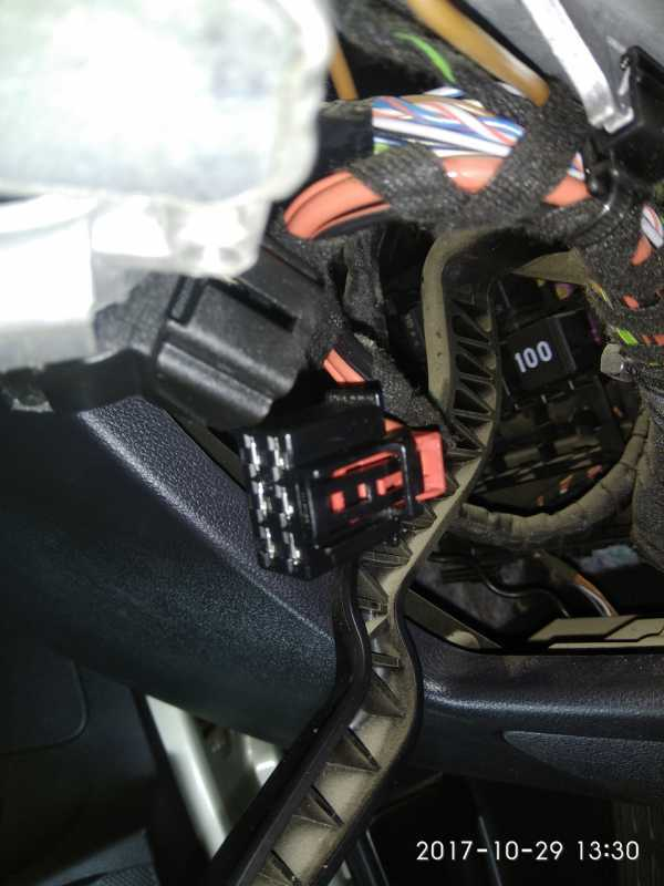 Замена цилиндра замка зажигания и блока иммобилизатора на Фольксваген Поло седан