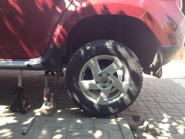 Замена стоек стабилизатора передней подвески Renault Duster