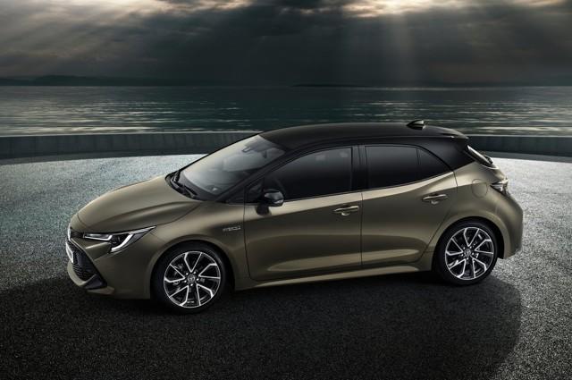 Тойота представила хэтчбек Аурис третьего поколения