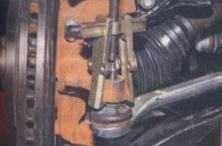 Замена наконечника рулевой тяги на Рено Дастер