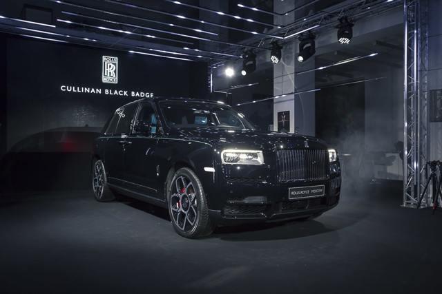 Rolls-Royce Dawn 2016 появился в России