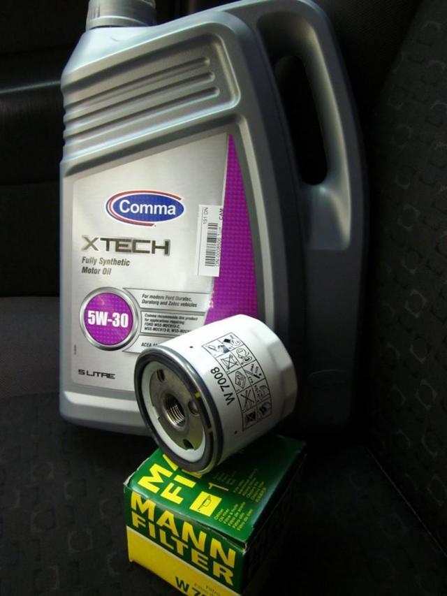 Замена масла и масляного фильтра Форд Фокус 3