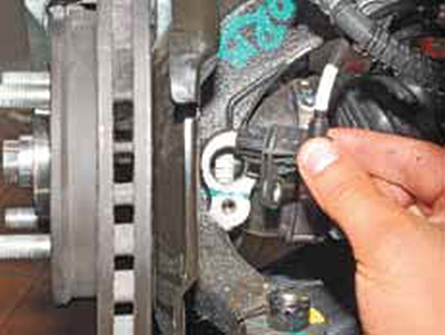 Замена датчика ABS (частоты вращения колес) Киа Рио 3