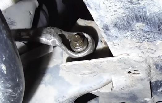 Замена сайлентблоков передних рычагов на Рено Логан 2
