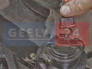 Замена блок-фары на Джили МК