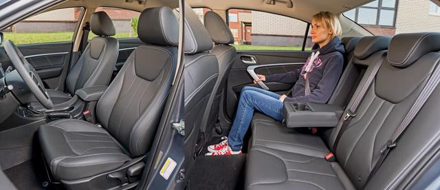 Снятие и установка крышки багажника Geely Emgrand EC7 седан, 2010 - н.в.