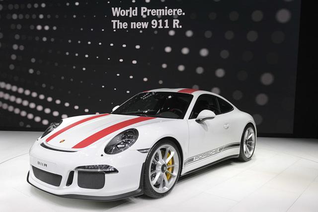 Возвращение в 1960-е: на Женевском автошоу показали прототип Porsche 911 R 2016 года