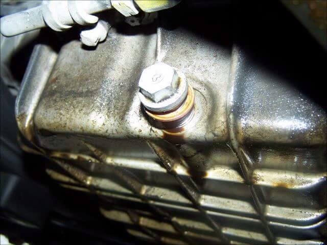 Замена масла и масляного фильтра Mercedes-Benz W210 c 1995 гг.