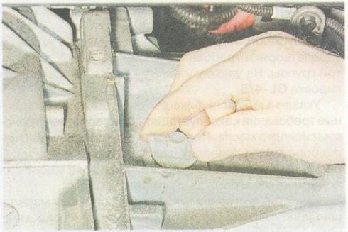 Замена сальников коробки передач Рено Дастер