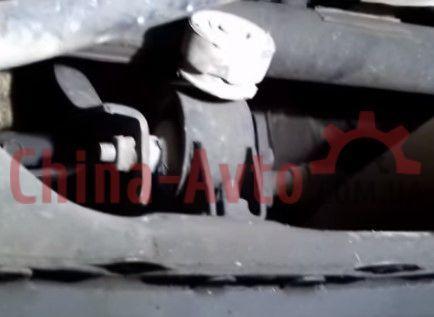 Замена подушек двигателя Джили МК