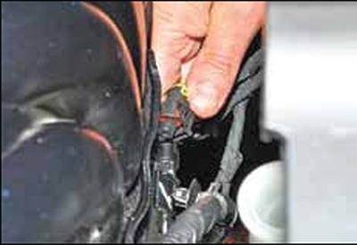 Замена прокладки впускной трубы КИА Рио 3