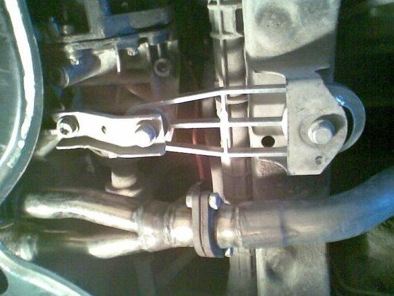 Замена опор двигателя Рено Логан 2