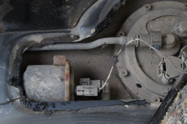 Замена топливного фильтра Хендай Акцент 2