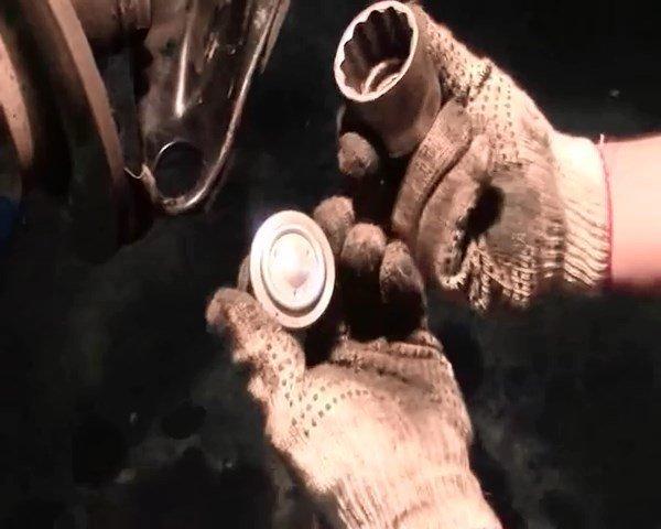 Замена шаровой опоры на Рено Логан 2