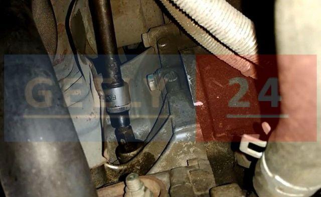 Замена расширительного бачка и патрубка системы гидроусилителя Geely Emgrand EC7, 2010 - н.в.