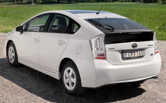 Обзор нового Тойота Приус 2015 года