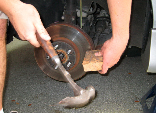 Замена передней ступицы и кулака Тойота Королла (Е150)
