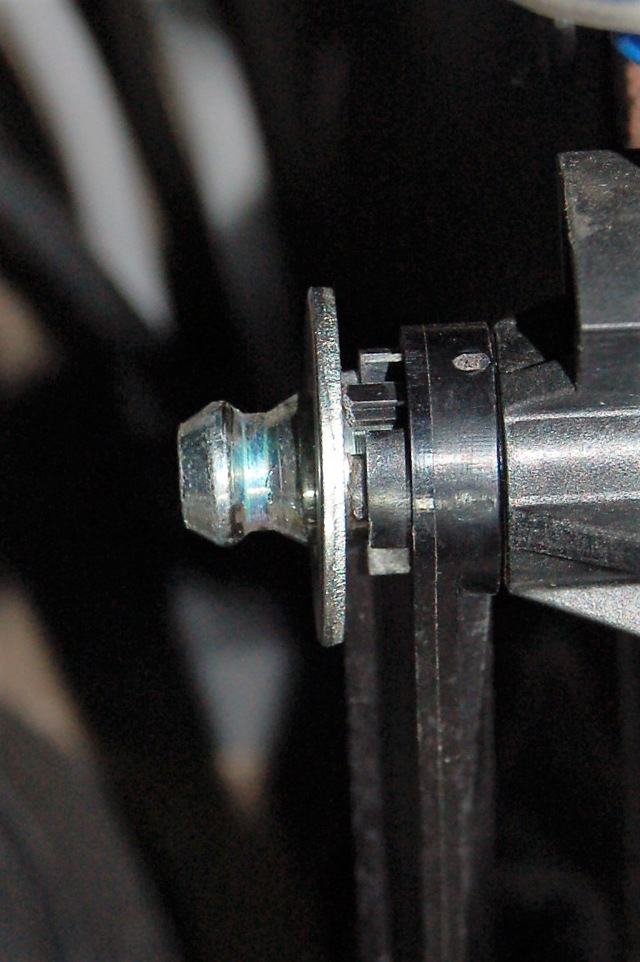 Замена главного цилиндра сцепления Рено Дастер
