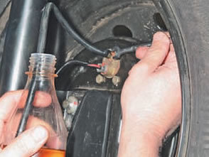 Проверка привода тормозной системы Рено Логан 2
