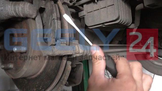 Замена передних тормозных дисков Geely Emgrand EC7