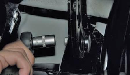 Замена задних поперечных рычагов Ford Focus 3