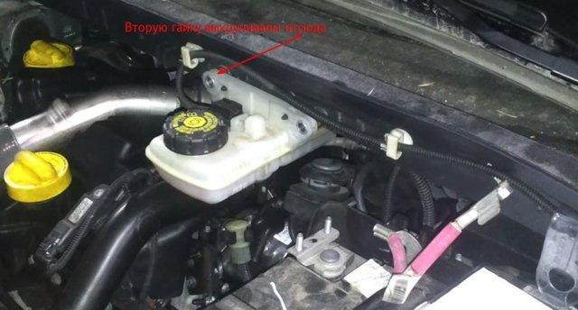 Замена воздушного фильтра Renault Megane / Scenic I