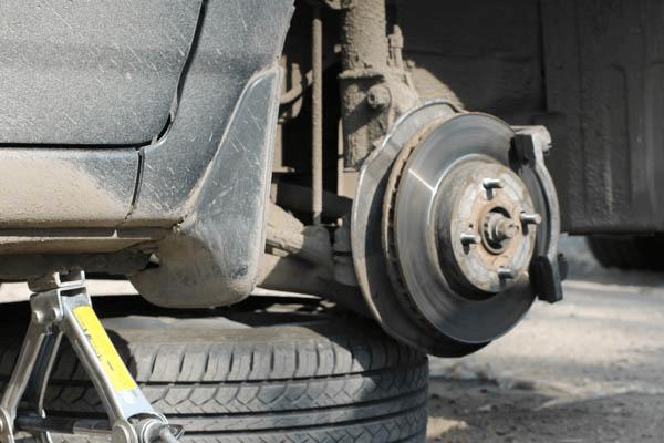 Замена тормозных дисков и суппортов Тойота Королла (Е150)