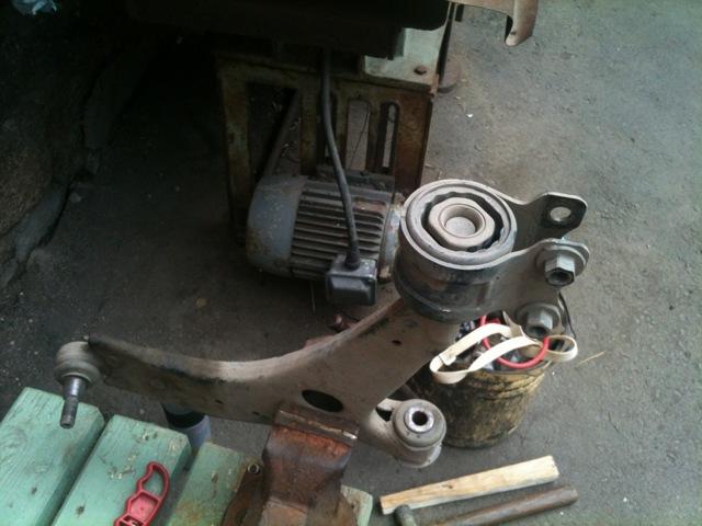 Замена продольного рычага задней подвески Форд Фокус 3