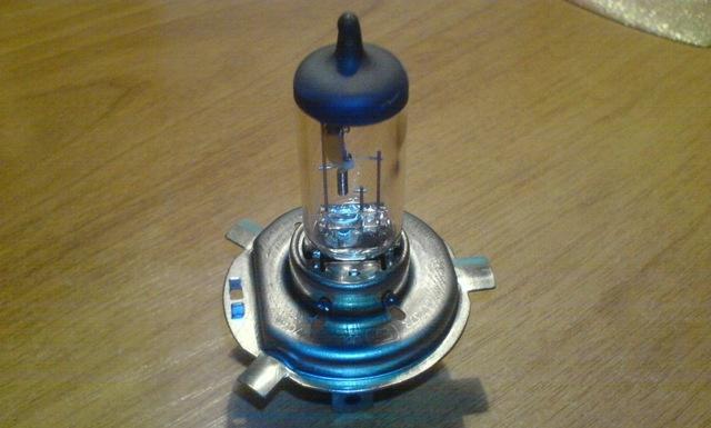 Замена лампы ближнего света Рено Логан 2