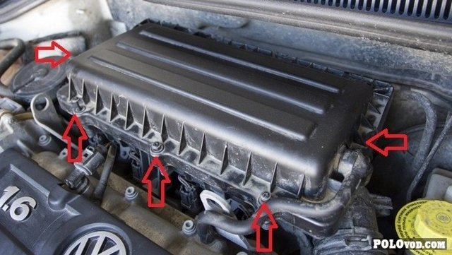 Замена воздушного фильтра и воздухозаборника Фольксваген Поло 5 седан