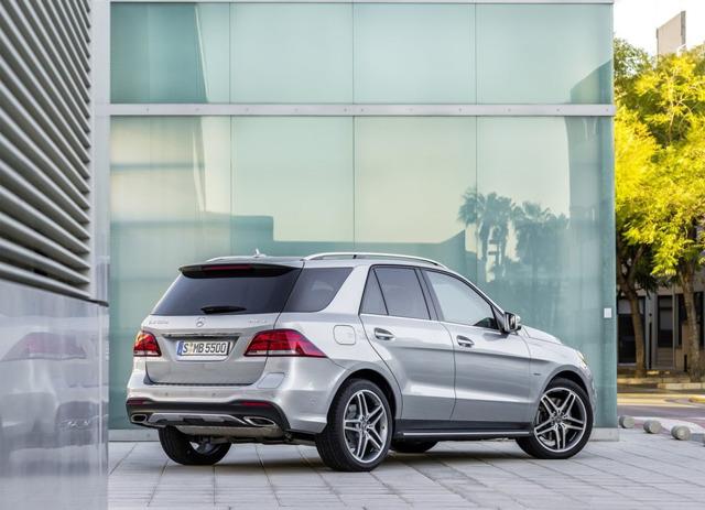 Обзор Mercedes-Benz GLE 2015 - 2016
