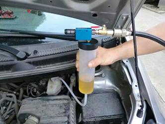 Замена тормозной жидкости Мазда 3 (БК)