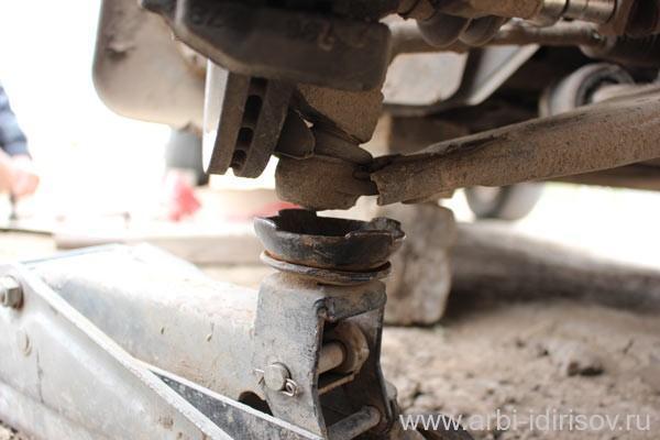 Замена заднего стабилизатора Форд Фокус 3